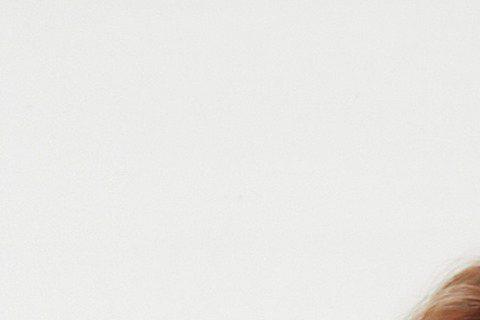 由at17單飛出發的香港歌手盧凱彤,一年多前因躁鬱症纏身,沉寂了好一段時日。直到今年5月,盧凱彤才又推出全新實驗專輯《Pillow Talk》。提到她時常為同志發聲,盧凱彤大方回應:「無論是同志婚姻...