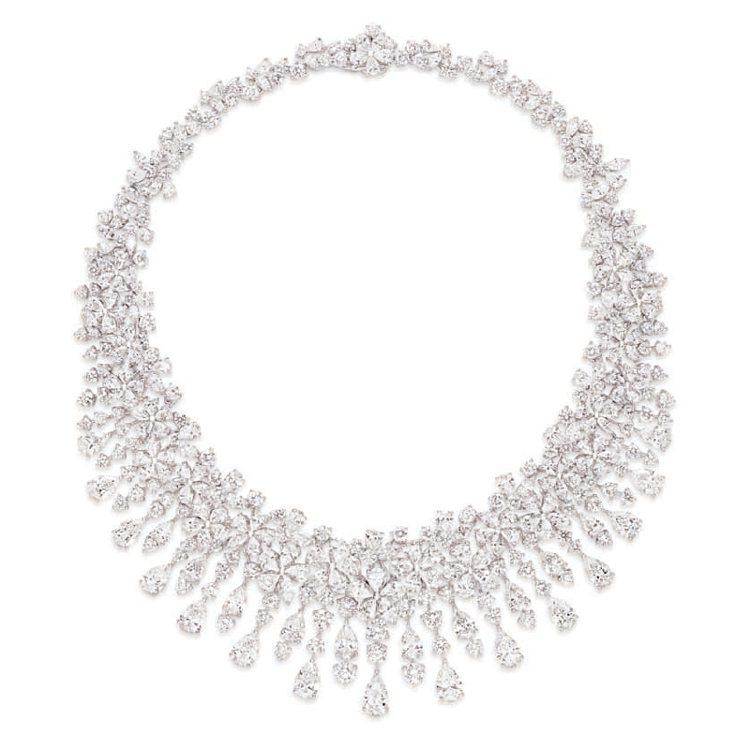 多形切割鑽石項鍊,鑽石共重98.02克拉。 圖/珠寶之星