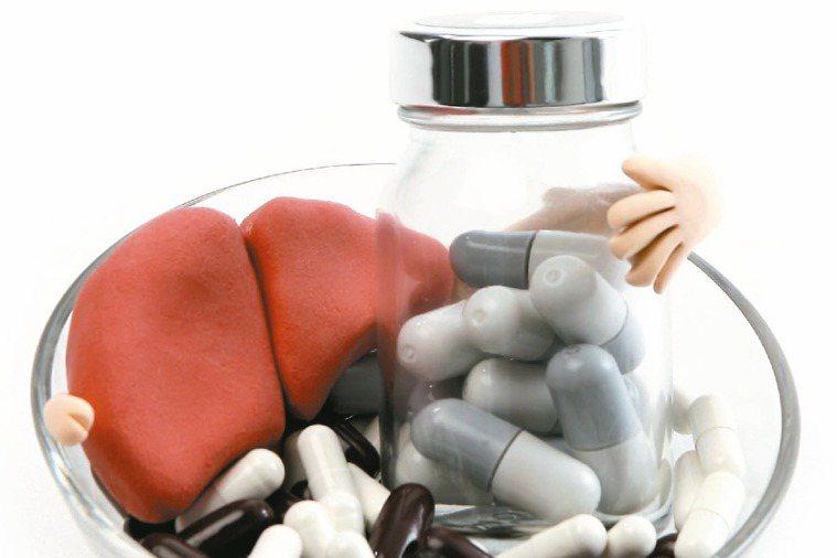 國內B型肝炎感染者高達200多萬,主要傳染途徑? 記者陳立凱/攝影