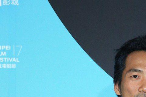 台北電影節閉幕片「百日告別」令林嘉欣與石頭各自經歷失去至愛的痛苦,卻讓他們也過足戲癮。尤其是在加拿大相夫教子5年的林嘉欣,更形容自己像是冬眠甦醒,超想念在幕前表演的感覺。