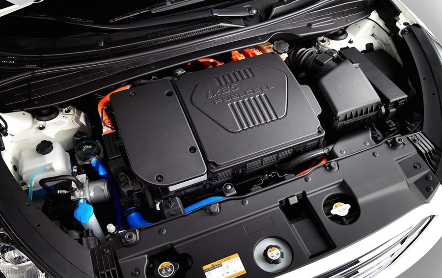 ix35Fuel Cell的燃料電池系統,有100千瓦的功率輸出,大約134匹馬...