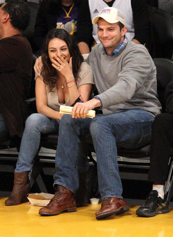 蜜拉庫妮絲和艾希頓庫奇今年 7 月初低調完婚。圖/達志影像
