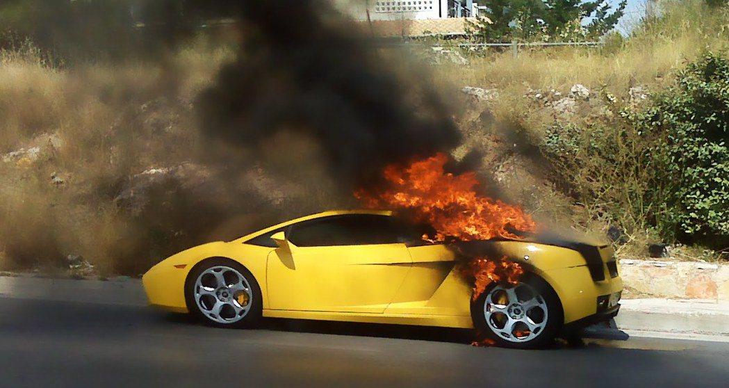 近日火燒車事件頻傳,不論車禍或是車輛老舊所發生的火燒意外,都造成嚴重的傷亡。 摘...