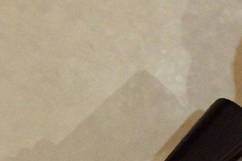 歌手溫嵐日前過生日,唱片公司太陽娛樂在KTV大擺筵席,壽星性感出席,暢飲壽酒,因為接下來就要進入9月新專輯的魔鬼籌備期,公司已下達禁酒令。要為「一姐」慶生,同事全員到齊,香港高層都專程飛來祝賀,溫嵐...