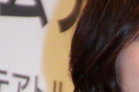 日本媒體今天報導,女星廣末涼子生第3胎。她所屬的經紀公司表示,是個女嬰,母女均安,今後是否再度展開演藝事業,視身體狀況而定。廣末透過所屬的經紀公司官網表示,她已平安生下女兒,看到眼前晶瑩剔透的新生命...