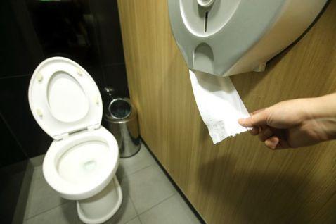 台灣廁所為什麼會有味道?