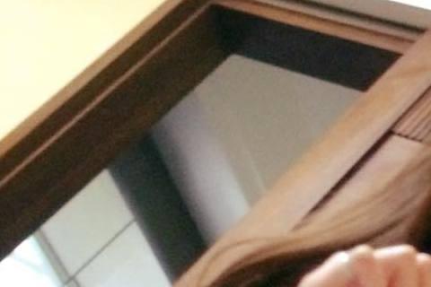 藝人楊可涵本月初輕生,昨日宣告不治,曾在《珍珠人生》飾演她先生、戲外也是楊可涵好友的藝人陳志強得知消息後難過淚崩,昨日他在自己臉書放上之前對戲中隨手拍攝的楊可涵照片,並回憶當時重感冒的她,身體都快撐...