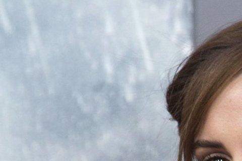 迪士尼電影片場可不能淪為犯罪現場!英國「太陽報」報導正在拍攝真人版「美女與野獸」歌舞電影的艾瑪華森,差點被兩位操東歐方言的工作人員設計綁架,陰謀敗露後片場也加強維安。不過艾瑪華森與該片公關已發聲明否...
