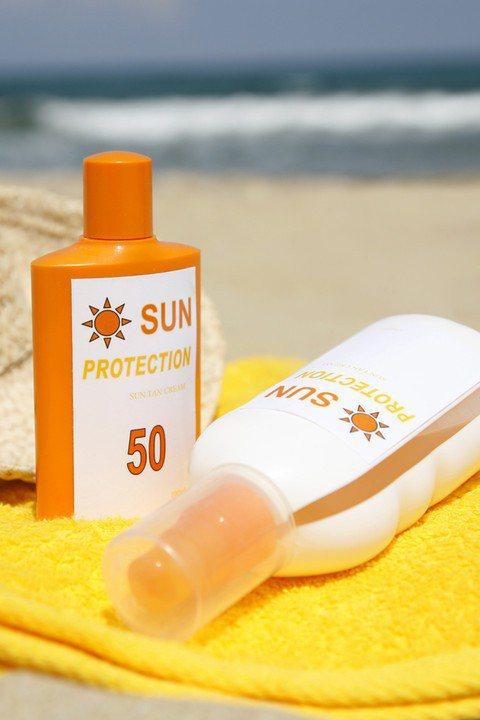 不要迷戀高係數的防曬產品!有特殊需求,才使用高防曬係數的產品。圖/Getty I...