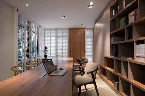 溫馨舒適的討論空間,常讓入門的訪客以為進入了風格咖啡館。 圖片提供_伸保