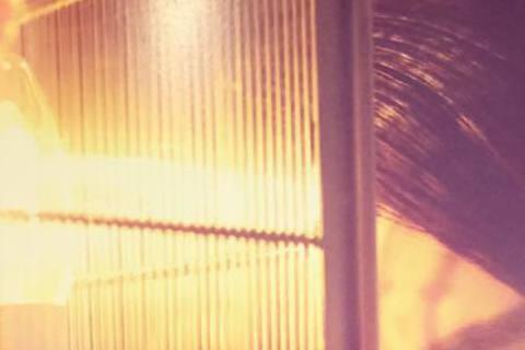 因老公王世均公司經營出狀況,名模洪曉蕾與王世均位於仁愛路的豪宅遭法拍,她今天凌晨在臉書發文表達心情:「親愛的大家 謝謝溫暖的問候❤對不起!!!讓你們擔心了。超過了30小時的消化,現在的心情算是很難理...
