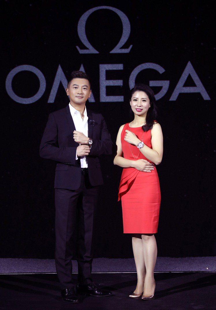 OMEGA台灣區副總黃丹樺小姐與蘇有朋合照。圖/OMEGA提供