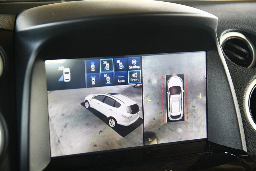 Active Eagle View+加上智慧3D影像輔助系統,安全再加分。 記者...