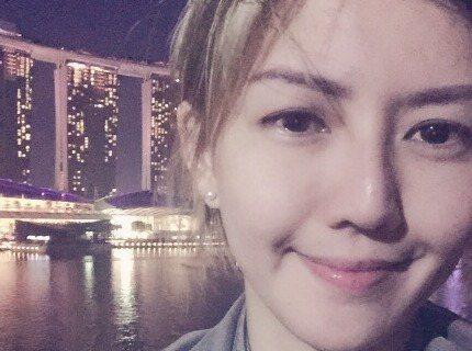 7月23日是孫燕姿37歲生日,她在微博上分享美照,還寫下:「我今天37!谢谢大家的祝福!!」,粉絲們除了送上生日祝福,也讚她依然年輕,看不出是37歲!