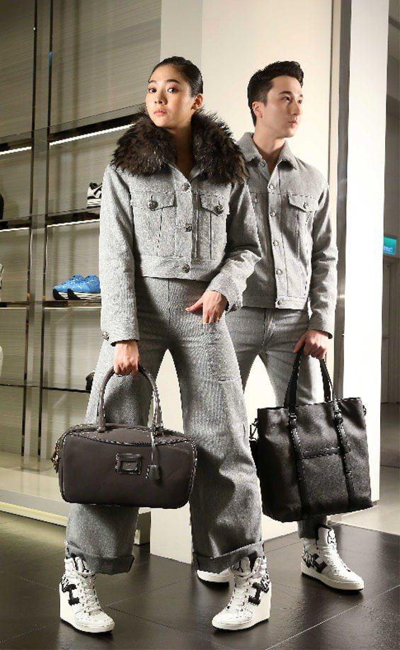 謝沛恩(左)穿HOGAN by Simon Holloway灰色短夾克與喇叭褲、...