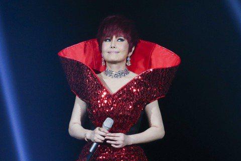 江蕙封麥前的最後一輪巡迴演唱會「祝福」,首場在台北小巨蛋開唱,