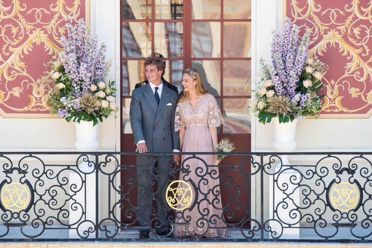 婚禮上,Beatrice Borromeo 穿上 Valentino 粉色高級訂...