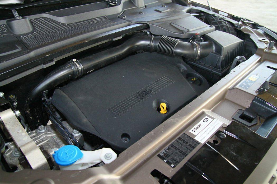 搭載2.2升柴油渦輪引擎,可輸出190hp/42.8kgm最大動力。 記者敖啟恩...