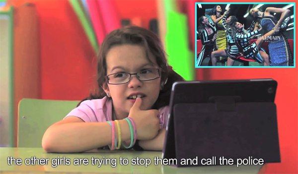 「其他女孩想阻止他們並叫警察來。」圖/擷自youtube
