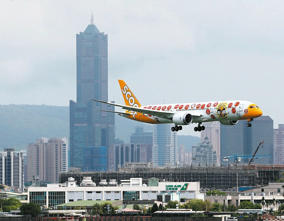 「鳳凰居」面東格局可享有看飛機起飛的獨特景觀。 攝影/劉學聖
