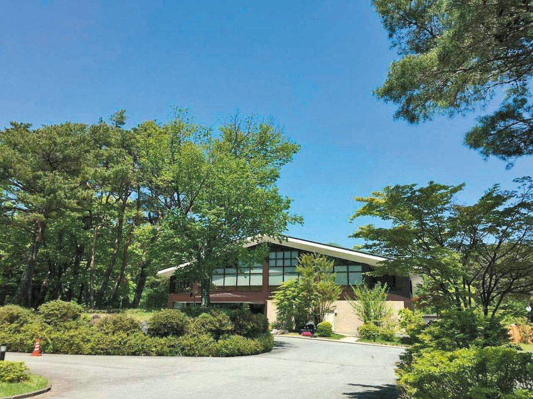 隆大轉投資日本本栖view hotel,像一座森林溫泉飯店。 攝影/張世雅 ...