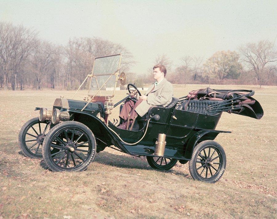Model T。 Ford提供