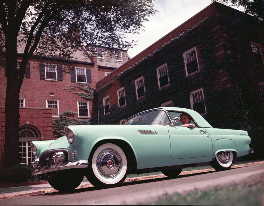 Thunderbird。 Ford提供