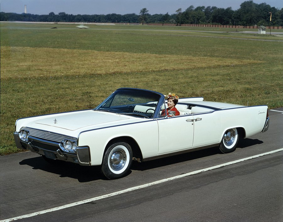 1964 Lincoln Continental。 Ford提供