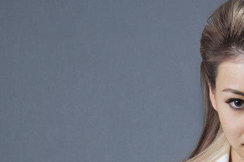 「準新娘」蔡詩芸為「BRAND」雜誌拍攝封面,她與王陽明復合後火速決定結婚,透露:「去年我還自暴自棄,想說一個人生活到老也沒關係,沒想到在6個月內,我竟然要結婚了,人生真的無可預料會有甚麼樣的轉變,...