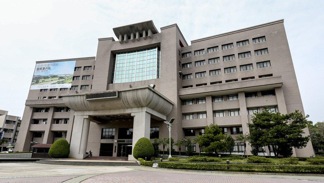 位於豐原的舊台中縣議會,如今為台中市議會第二辦公大樓。 記者黃士航/攝影