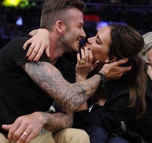 夫妻間的擁抱也是維持感情的重要元素之一。圖/擷自favim.com