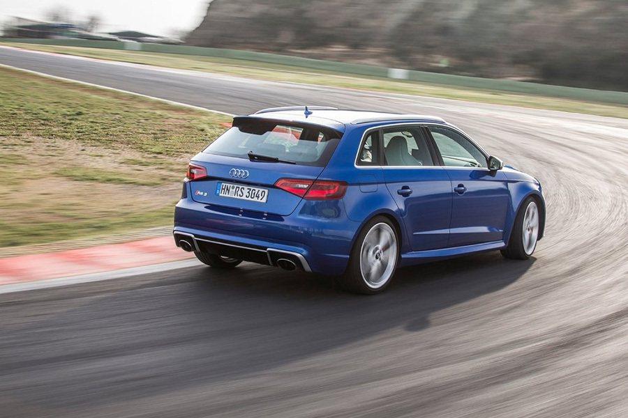Audi RS3雖然擁有高規格配備,但轉向不足的問題讓駕駛無法盡情駕馭它。 Au...