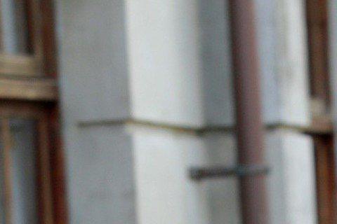 以「軍中樂園」獲金馬獎最佳女配角的大陸女星萬茜,最近在李中執導電影「青田街一號」裡扮演有第三隻眼的仙姑,但萬茜其實不信這套,只在拍片前和導演李中去算命街觀察兼算命、看乩童扶乩。她說,命相師給她的感覺...