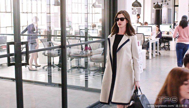 安海瑟薇,在九月份即將上映的電影《高年級實習生》中扮演時尚網站創辦人。圖/達志影...