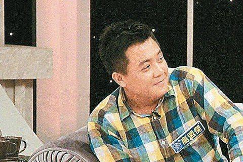 張孝全和萬茜情侶檔雖同拍電影「青田街一號」,但從電影首映宣傳到上節目談拍戲,兩人如牛郎、織女般完全碰不上面。張孝全缺席首映,4日演員上張小燕中天「小燕之夜」宣傳,張到了,萬茜卻沒來,被問到彼此,張孝...