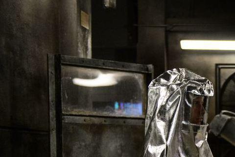 漫威英雄新片「驚奇4超人」將於6日搶先全美上映,有別於過往英雄總是一登場就打打殺殺,「驚奇4超人」導演喬許傳克著重英雄出身過程,點出即使是英雄也難免懷才不遇及重重挫折,賦予英雄們人性化的一面,文戲多...