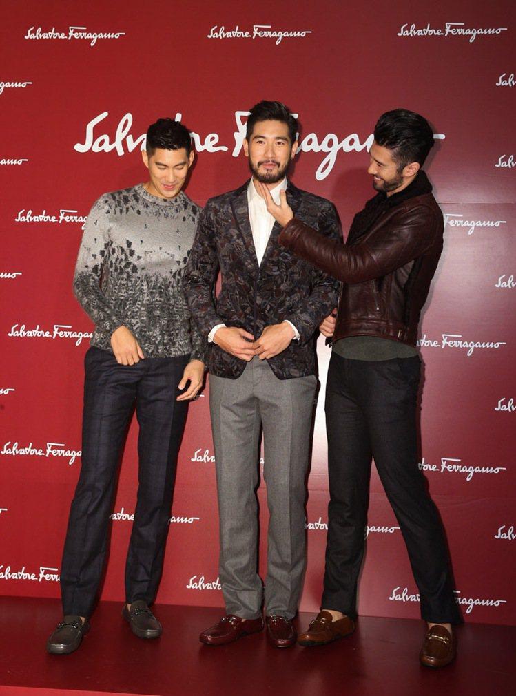 Salvatore Ferragamo發表全新男性訂製開車鞋系列,邀請毛加恩(左...