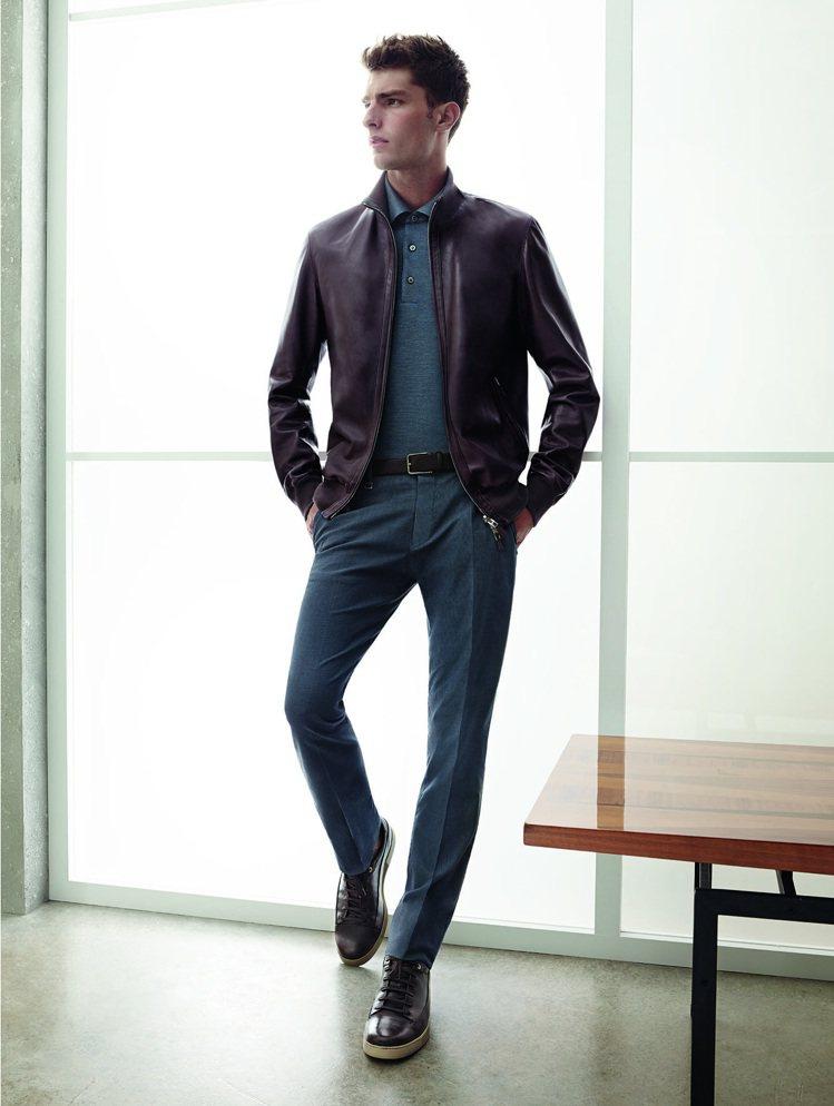 皮衣絕對是適合各個年齡層的穿搭好單品,不管老爸是40幾歲還是60幾歲以上,穿上皮...