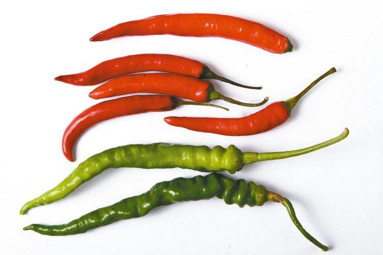 處暑忌吃辛辣、煎炸食物,或韭菜、蒜、蔥、薑、八角、茴香,易加重秋燥。 記者陳立凱...