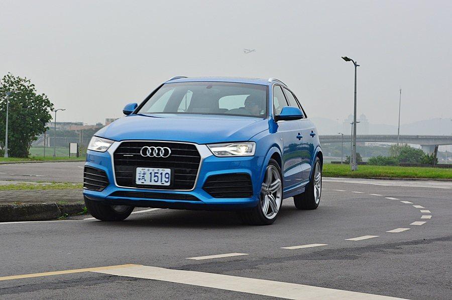 Q3在正常速度下,轉向指向性高,加上車身平衡性超好,搭配quattro全時四驅,...