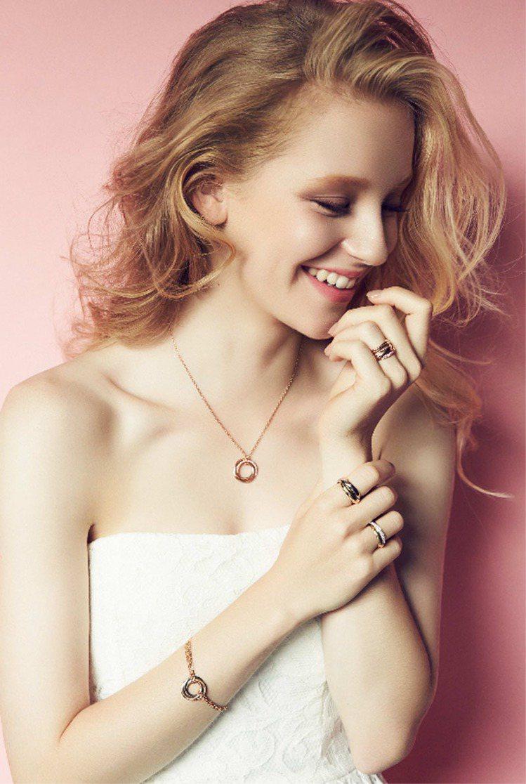 Trinity系列珠寶的三環式設計見證人世間的美麗情感。圖/卡地亞提供