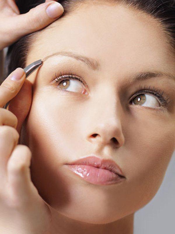 7.修剪過度的眉毛。圖;文/美麗佳人提供