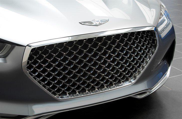 Vision G鑽石型水箱罩是車頭視覺焦點。 圖/Hyundai提供
