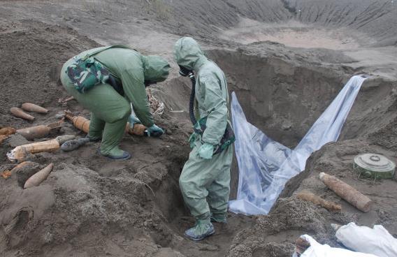 挖掘回收日遺化武。圖/央廣網資料照片