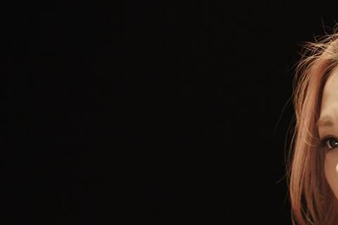 蘇迪勒颱風讓不少人家裡家電故障,歌手蔡健雅家中冷氣也發現有損壞的現象,最近她找了維修人員檢查家中冷氣,一問之下才發現需要花六千元換零件,且還得等到下周才有貨可更換。不過蔡健雅這幾天無意間隨便按了幾個...