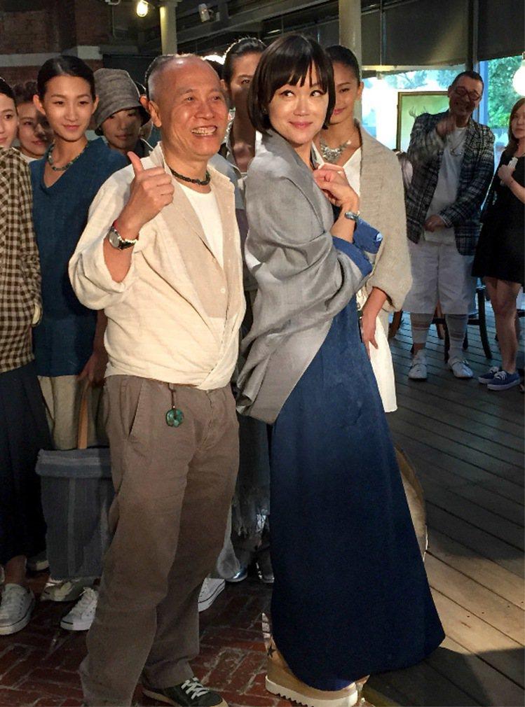高怡平(右)回台度假,特為好友呂芳智(左)站台。記者史榮恩/攝影