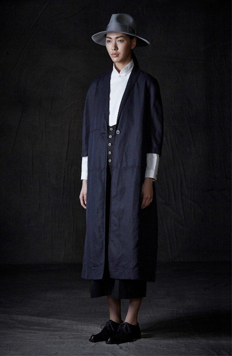 CHARINYEH秋冬為女裝注入紳士風格。圖/CHARINYEH提供