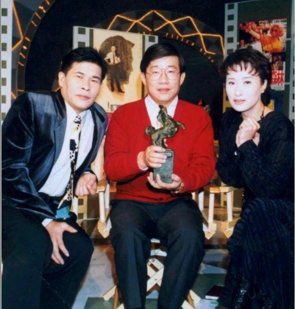 玫瑰之夜之鬼話連篇主持人,彭恰恰(左一)、曾慶瑜(右一) 圖片來源/聯合報系