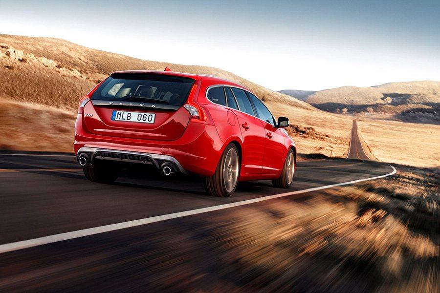 Volvo V60 T6 R-Design擁有跑車般的操控樂趣及旅行車的彈性空間...