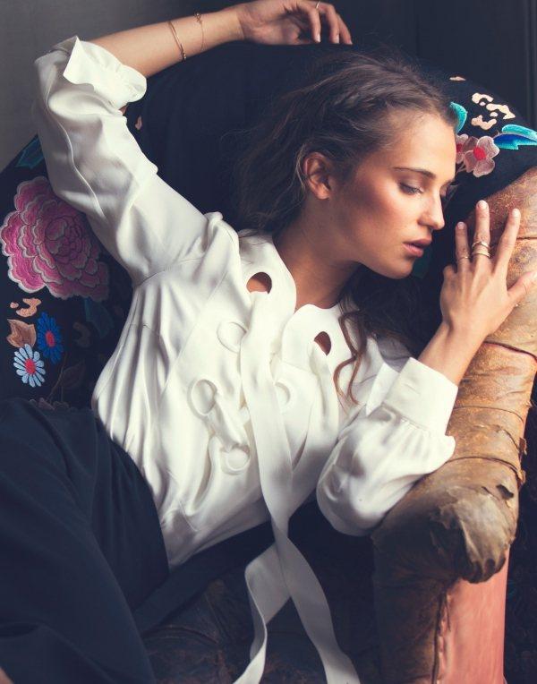 艾莉西亞維坎德擁有一張精緻可愛的臉蛋,像個古典娃娃般神祕迷人。圖/擷自lista...
